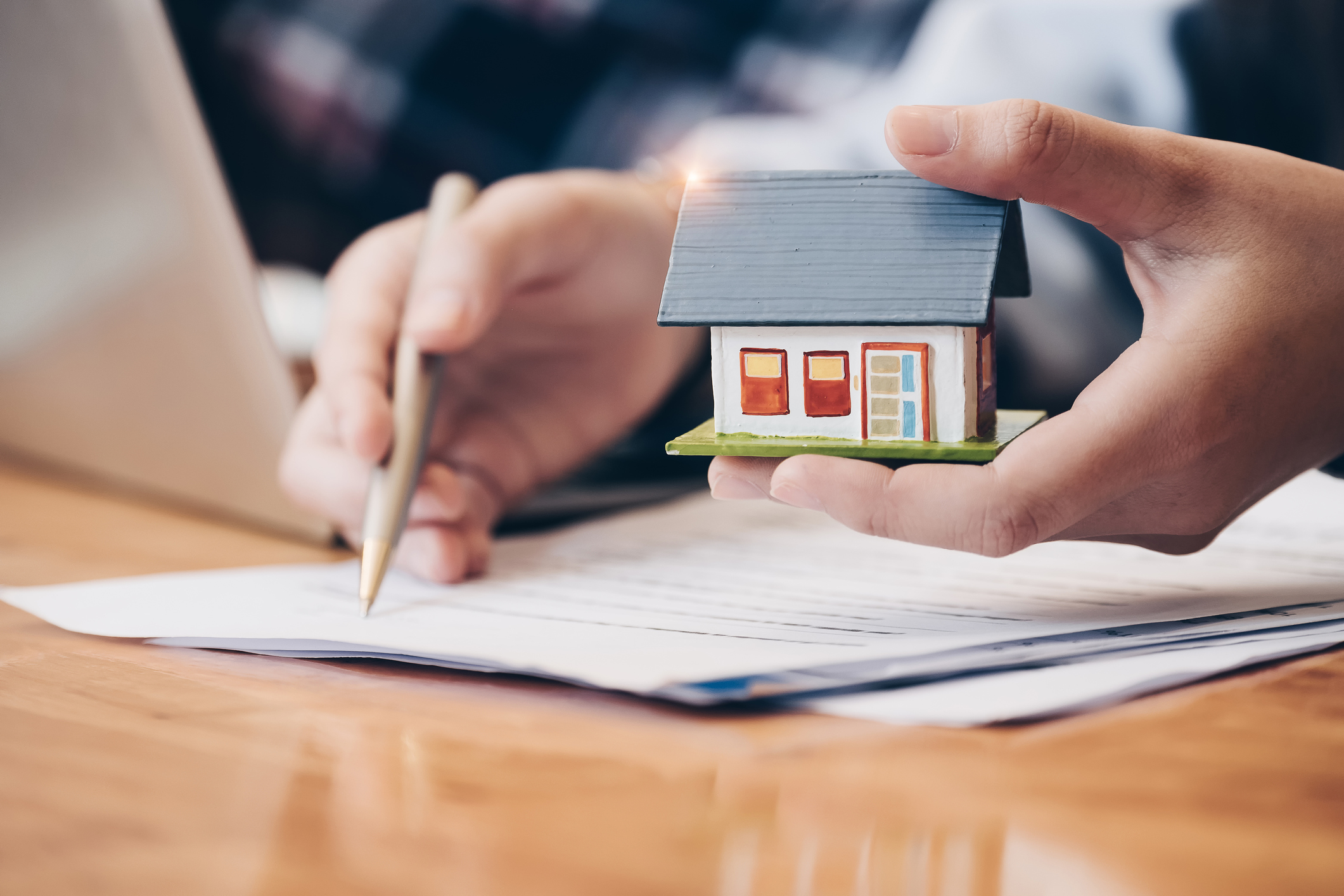 Klosinski Overstreet discusses how Georgia home sellers may not have to disclose certain issues with the house.